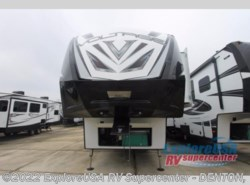 New 2017  Dutchmen Voltage V3805 by Dutchmen from ExploreUSA RV Supercenter - DENTON, TX in Denton, TX