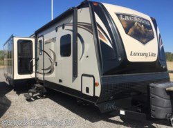 Used 2016  Prime Time LaCrosse Luxury Lite 330 RST by Prime Time from EZ Living RV in Braidwood, IL