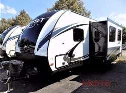 New 2018  CrossRoads Sunset Trail Super Lite SS289QB by CrossRoads from Fretz  RV in Souderton, PA