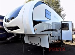 New 2018  Winnebago Minnie Plus 25RKS by Winnebago from Fretz  RV in Souderton, PA