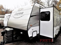 Used 2016  Jayco Jay Flight 34RSBS by Jayco from Fretz  RV in Souderton, PA