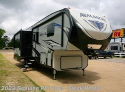 New 2018  Keystone Avalanche 395BH by Keystone from Genuine RV Store in Nacogdoches, TX