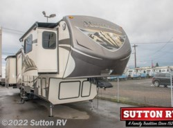 Used 2015  Keystone Mountaineer 375FLF - Dealer Stock