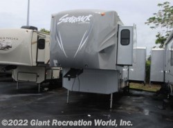 Used 2014  Forest River Silverback 29RE by Forest River from Giant Recreation World, Inc. in Winter Garden, FL