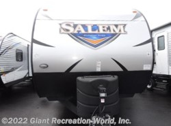 New 2017  Forest River Salem 31KQBTS by Forest River from Giant Recreation World, Inc. in Ormond Beach, FL