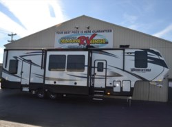 Used 2017  Grand Design Momentum 348M by Grand Design from Delmarva RV Center in Milford, DE