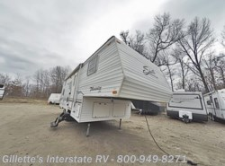 Used 2000  Shasta Phoenix 265BH by Shasta from Gillette's Interstate RV, Inc. in East Lansing, MI
