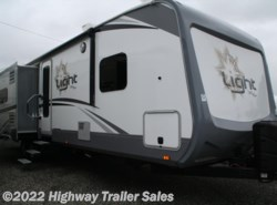 Used 2017  Highland Ridge Light LT308BHS by Highland Ridge from Highway Trailer Sales in Salem, OR
