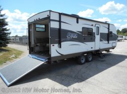 New 2017  Palomino Puma XLE  25 FBC by Palomino from HW Motor Homes, Inc. in Canton, MI
