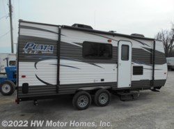 New 2017  Palomino Puma XLE 21TUC by Palomino from HW Motor Homes, Inc. in Canton, MI