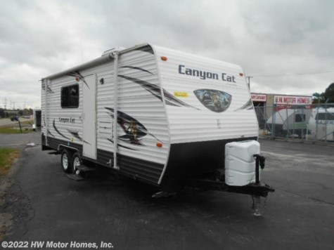 2015 Palomino Canyon Cat 21TUC