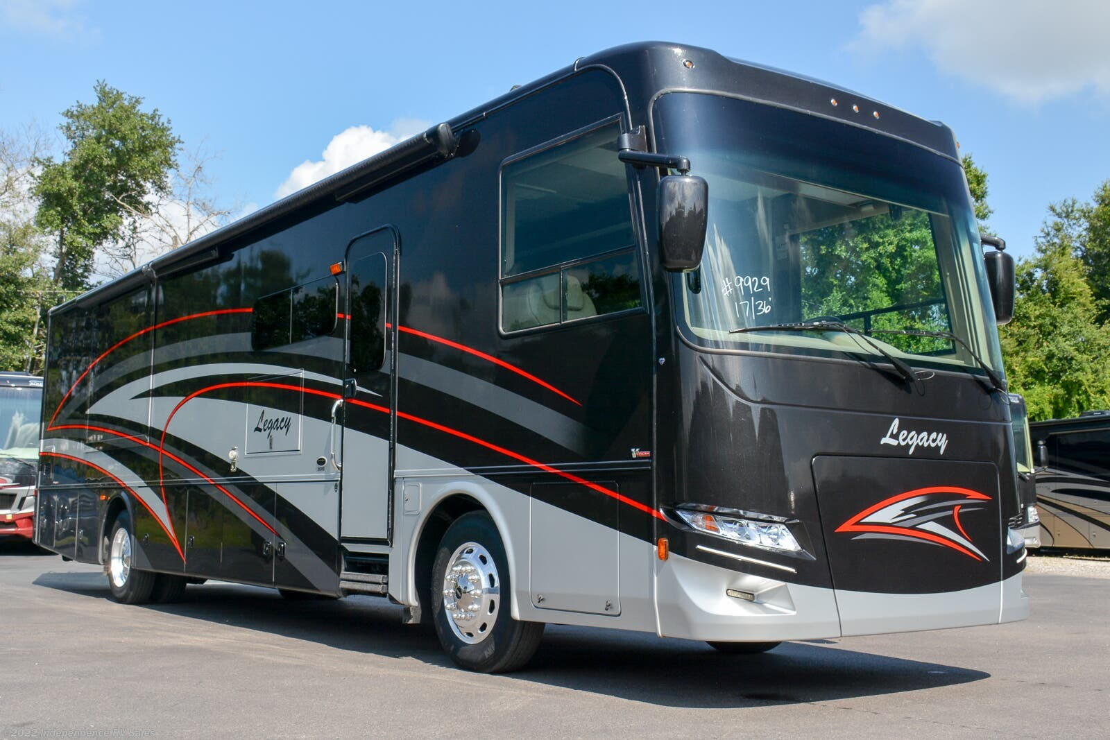 12k In Miles >> 2017 Forest River Rv Legacy 360rb Bath Half 12k Miles Must See For Sale In Winter Garden Fl 34787 9929