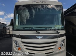 Used 2017  Fleetwood Flair 31W by Fleetwood from Ancira RV in Boerne, TX