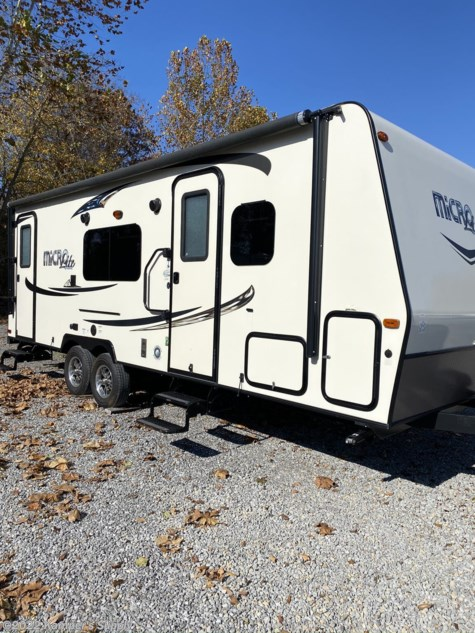 2015 Forest River Flagstaff Micro Lite 25KS