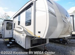 New 2018  Jayco Eagle 325BHQS by Jayco from Keystone RV MEGA Center in Greencastle, PA