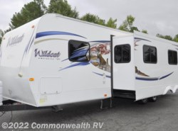 Used 2011  Forest River Wildcat eXtraLite 30BHS by Forest River from Commonwealth RV in Ashland, VA