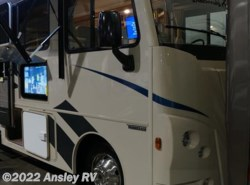 New 2017  Winnebago Vista 31BE by Winnebago from Ansley RV in Duncansville, PA