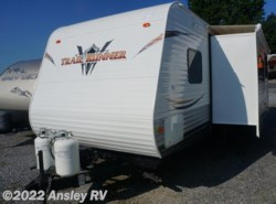 Used 2013  Heartland RV Trail Runner SLE 26SLE by Heartland RV from Ansley RV in Duncansville, PA