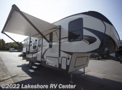 New 2018  Keystone Cougar Half Ton 25RES by Keystone from Lakeshore RV Center in Muskegon, MI