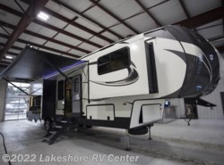 New 2018  Keystone Sprinter Limited 3551FWMLS by Keystone from Lakeshore RV Center in Muskegon, MI