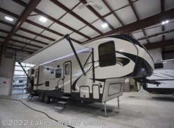 New 2018  Keystone Cougar Half Ton 32BHS by Keystone from Lakeshore RV Center in Muskegon, MI