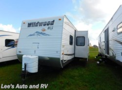 Used 2011  Forest River Wildwood M-322HBK by Forest River from Lee's Auto and RV Ranch in Ellington, CT