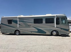 Used 2004  Beaver Monterey Seacliff by Beaver from Louisville RV Center in Louisville, KY