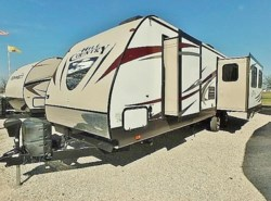 Used 2015 CrossRoads Hill Country 30RE available in Sanger, Texas