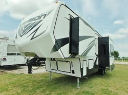 Used 2014  Keystone Carbon 297 by Keystone from McClain's Longhorn RV in Sanger, TX