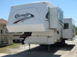 Used 2006  CrossRoads Cruiser 28RL by CrossRoads from McClain's RV Fort Worth in Fort Worth, TX