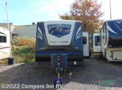 Used 2015  Prime Time LaCrosse 318BH by Prime Time from Campers Inn RV in Hatfield, PA