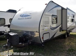 Used 2015  Coachmen Freedom Express 246RKS by Coachmen from Mid-State RV Center in Byron, GA