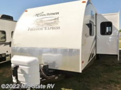 Used 2013  Coachmen Freedom Express 292BHDS by Coachmen from Mid-State RV Center in Byron, GA
