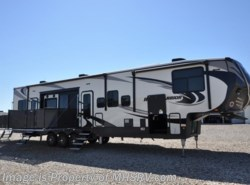 New 2018  Heartland RV Road Warrior RW427 3 A/C, Rear Awning, 4 TVs & King Bed by Heartland RV from Motor Home Specialist in Alvarado, TX