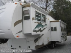 Used 2005  Coachmen Chaparral 277 DS by Coachmen from M's RV Sales in Berlin, VT