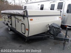 Used 2014  Forest River Rockwood Premier 2716G by Forest River from National RV Detroit in Belleville, MI