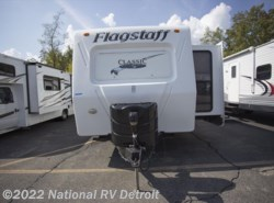 Used 2011  Forest River Flagstaff Classic Super Lite 831FKBSS by Forest River from National RV Detroit in Belleville, MI
