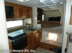 Used 2015  Lance  Lance 1052 by Lance from Norm's RV, Inc. in Poway, CA