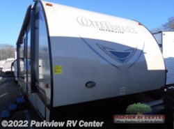 Used 2016  Keystone Outback 276 UBH by Keystone from Parkview RV Center in Smyrna, DE