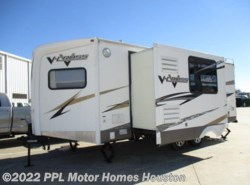 Used 2010  Forest River V-Cross 25VFKS