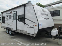 Used 2017  Jayco  Jayflight Slx 212QBW by Jayco from PPL Motor Homes in Houston, TX