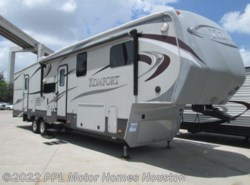 Used 2013 Dutchmen Komfort 3530FBH available in Houston, Texas