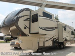 Used 2014  Grand Design Solitude 305RE