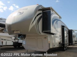 Used 2014  Keystone Montana High Country 343RL by Keystone from PPL Motor Homes in Houston, TX