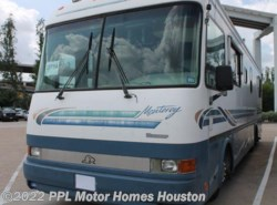 Used 1998  Beaver  3604 by Beaver from PPL Motor Homes in Houston, TX