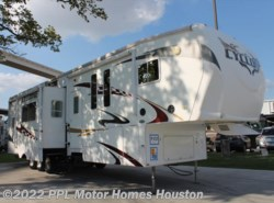 Used 2009  Heartland RV Cyclone 3850 by Heartland RV from PPL Motor Homes in Houston, TX
