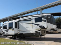 Used 2009  Carriage  Carri Lite 36MAX1 by Carriage from PPL Motor Homes in Houston, TX