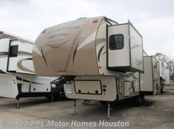Used 2016  Rockwood  Signature Ultra Lite 8292BS by Rockwood from PPL Motor Homes in Houston, TX