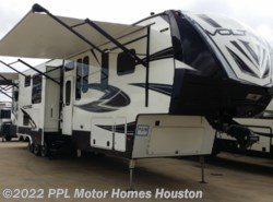 Used 2017 Dutchmen Voltage 3975 available in Houston, Texas