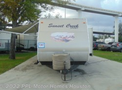 Used 2013 SunnyBrook Sunset Creek Sport 340BHD available in Houston, Texas